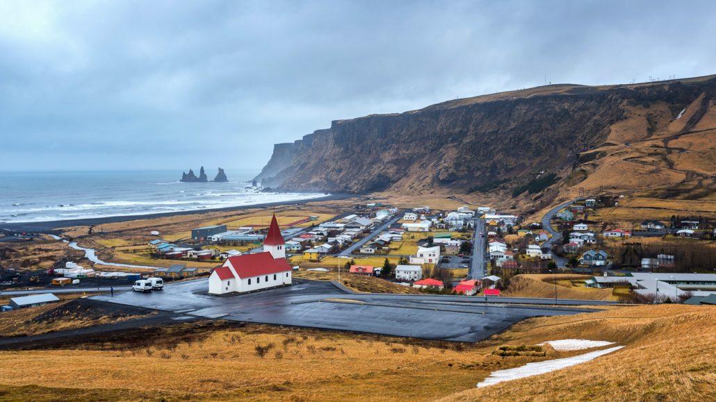 Jak znaleźć i podjąć pracę na Islandii?