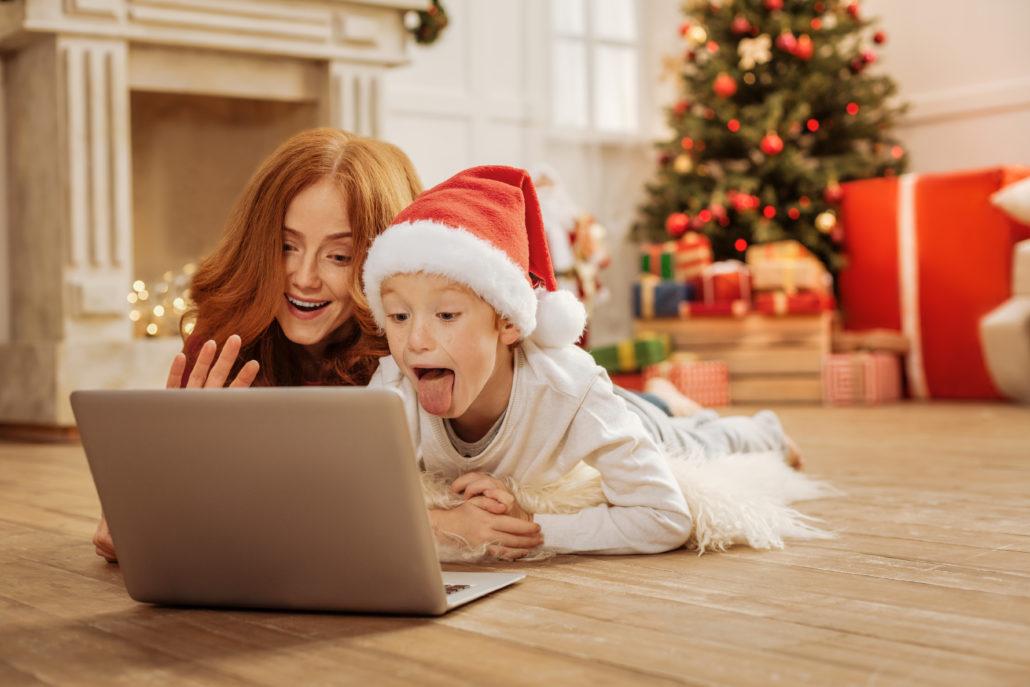 Jak połączyć się z bliskimi na Święta