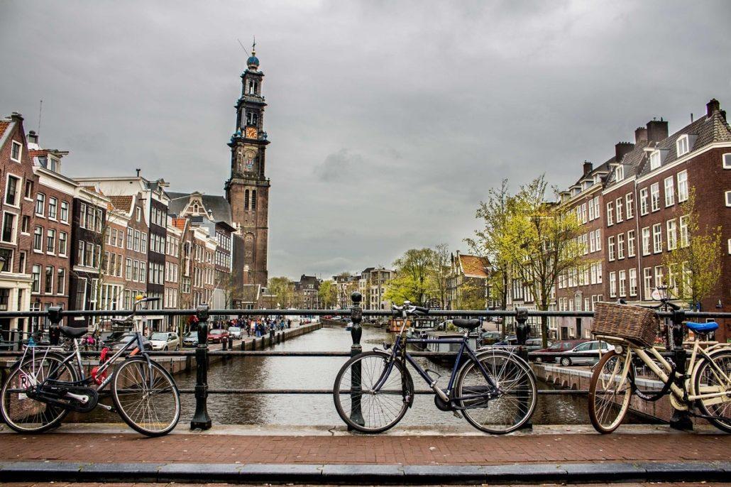 Zarobki w Holandii  - Ile średnio zarabia się w Holandii?